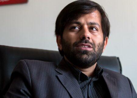 هویت ایرانی: بازرگان یا سلیمانی